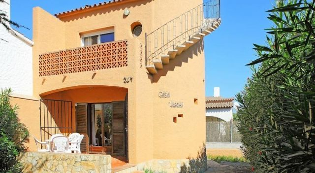 Uschi - #VacationHomes - $86 - #Hotels #Spain #Empuriabrava http://www.justigo.ca/hotels/spain/empuriabrava/uschi_17130.html