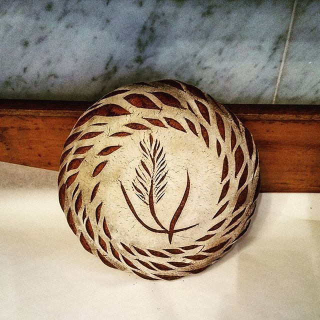 Another pattern on one of the einkorn bread  #bakerylife #realbread #sourdough #naturallyleavened #artisanbread #sourdoughbread #organic #surdegsbröd #surdeigsbrød #godtno .