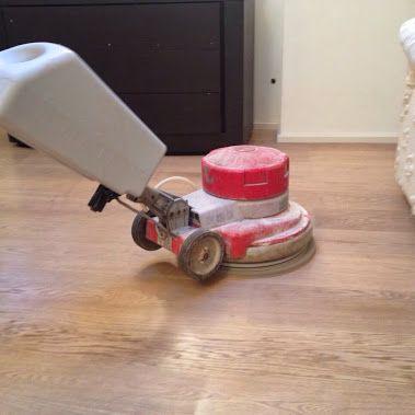 pulizia e oleatura di manutenzione parquet prefinito sbiancato eseguito dalla…