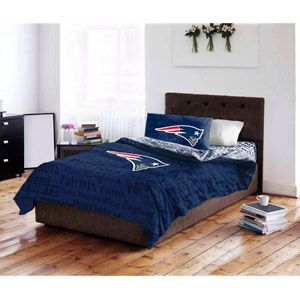 NFL New England Patriots Bedding Set..queen or king for my bedroom!