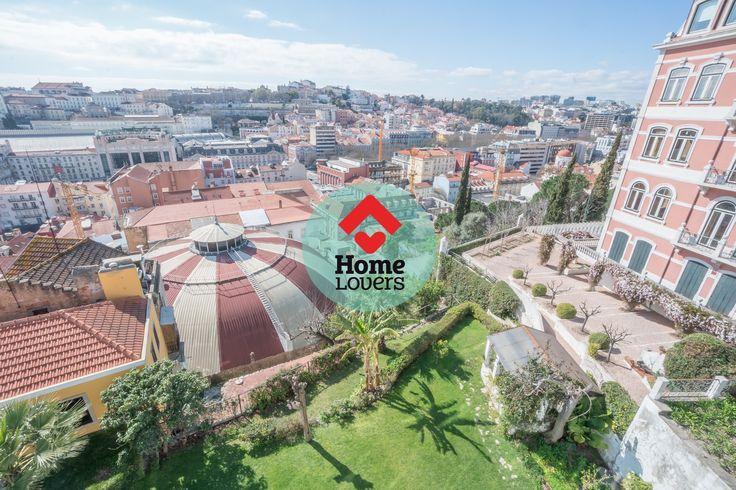 HomeLovers - Lisboa | Campo Mártires da Pátria | T2 | 119m2