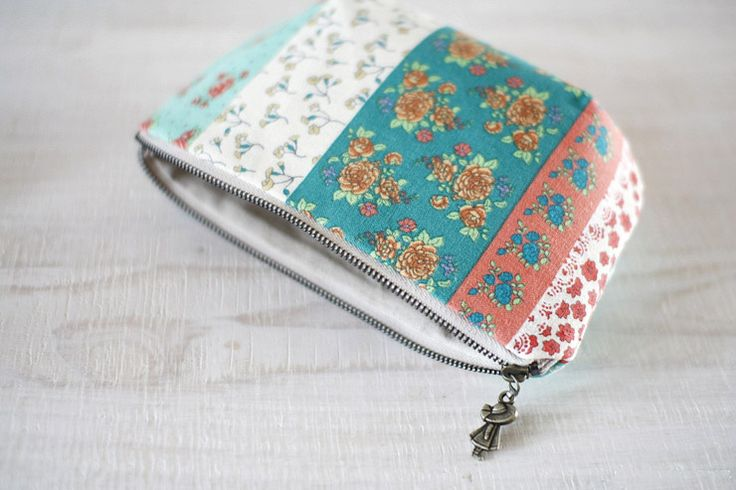 what is a bangle bracelet How to make tutorial vintage cosmetic bag purse  DIY step by step tutorial instruction