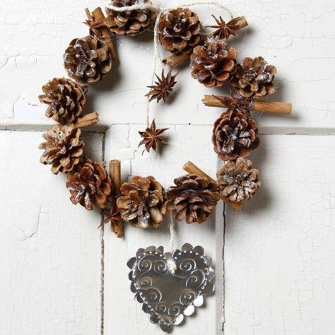 DIY - Julekrans af kogler