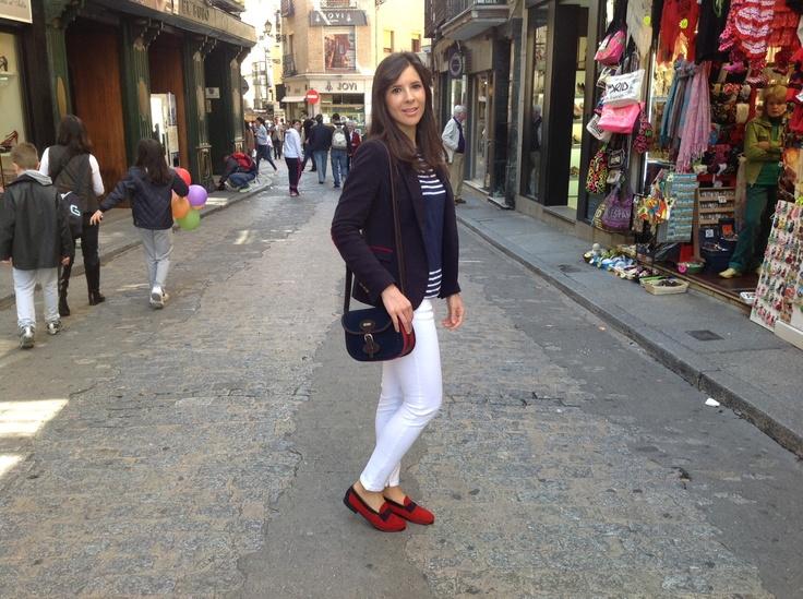 Una de las actrices del spot con bandolera #Eloise y zapato #Fiorella