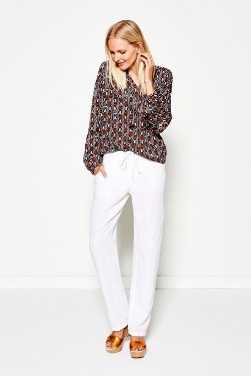 Wild Thing - Lookbook | Blouse | Photography | Fashion | Print | Pretty Different | Colorful | White  | Pantalon