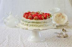 Черемуховый торт с ревенем