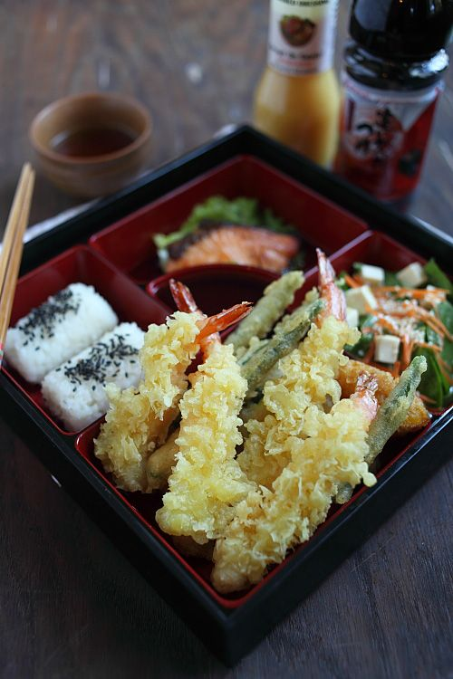 Shrimp Tempura Bento: This crispy, deep-fried seafood/vegetable is a popular Japanese recipe that everyone loves. #shrimp #japanese