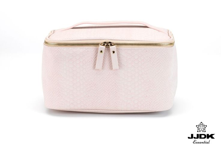 JJDK Essential - Beauty box | #pastels #babypink #beautybox #beautybag #sake #print