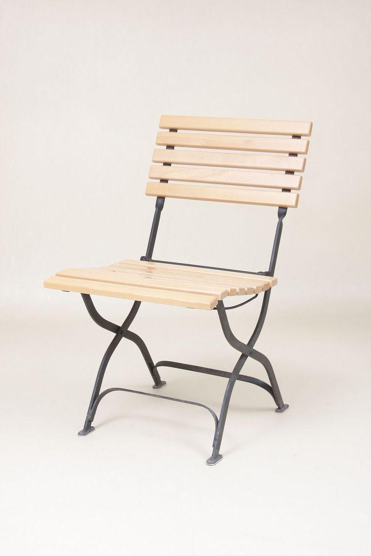 Stol med eik i rygg og sete uten armlener