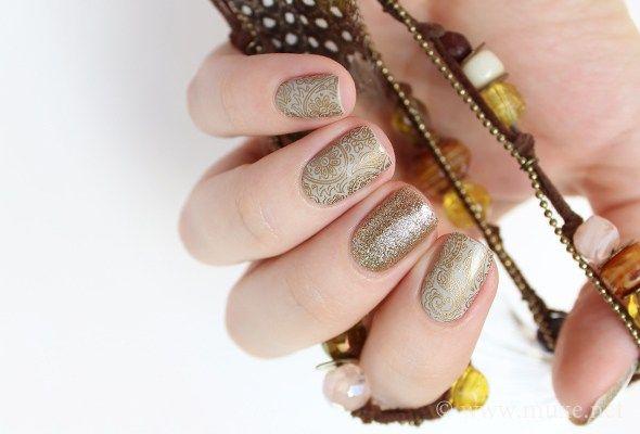 Paisley nails in grey