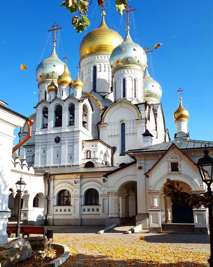 В этот день кланяются чудотворной Казанской иконе Божией ...
