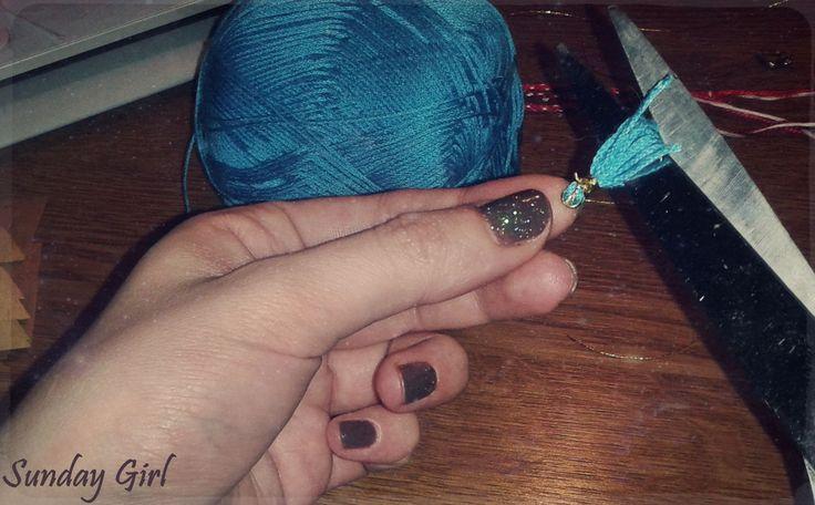 making tassel/working