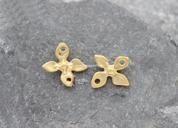 2  leaves connectors matte gold flower links 18mm by madameperlina