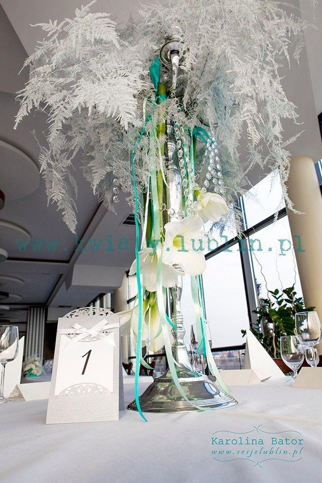 Zimowy ślub – kwiatowa dekoracja sali weselnej « Pracownia florystyczna Passja-Flora