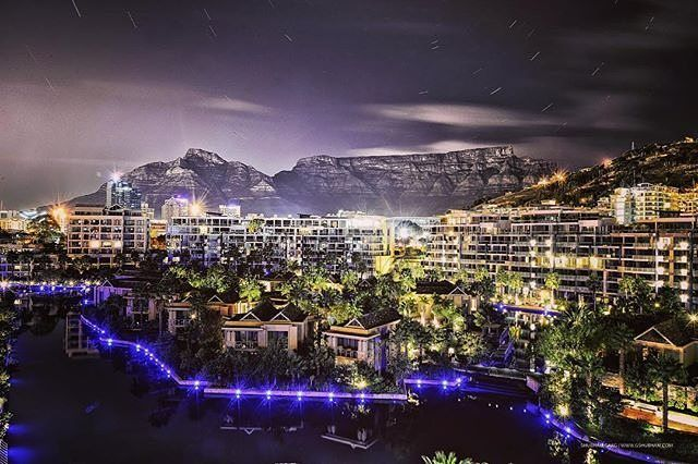"""@artografer """"During my recent trip to South Africa, I got to witness the Table Mountain from my hotel room itself."""" _______________________________ If you'd like to see your images being featured here just use #capetownmag - We really enjoy sharing your shots of all the different aspects of the Mother City and the rest of the Western Cape."""