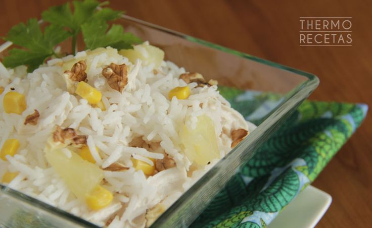 Ensalada de arroz, piña y pollo - http://www.thermorecetas.com/2014/06/28/ensalada-de-arroz-pina-y-pollo/
