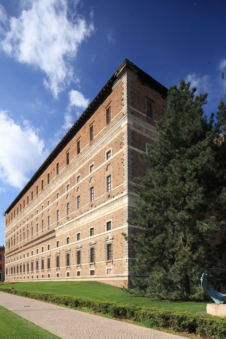 Piacenza - Palazzo #Farnese - commissioned by the duchess of Parma and Piacenza, Margaret of Austria (1522-1586), the daughter of Charles 5th and wife to Ottavio Farnese. Architect: #Vignola