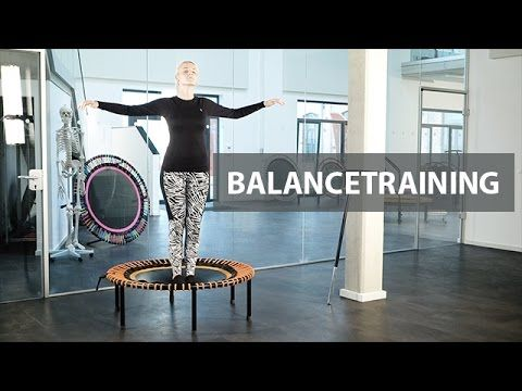 Wir wünschen Euch einen schönen 1. Advent! In der Adventszeit haben wir, für jeden Sonntag, ein kleines Training für Euch zusammengestellt. Wir starten heute mit einem Balancetraining. Das bellicon® ist das ideale Trainingsgerät, um den Gleichgewichtssinn und die Balance zu trainieren.Trainiert mit dem bellicon® Minitrampolin Euer Gleichgewicht und kommt sicher durch den Winter! Musik: ShockLine - Scy (https://www.facebook.com/shocklinemusic)