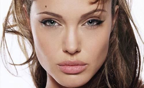 Don't we crave for fine sculpted cheekbones when we see Angelina Jolie, Kiera Knightley or our very own 'Heroine' Kareena Kapoor? Look no further! You can now flaunt well-defined cheekbones.