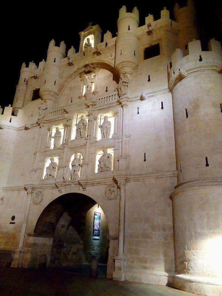Burgos,Arco de Santa María