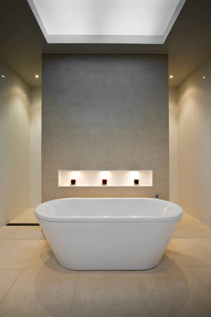Niches in bathroom walls - Free Standing Bath Feature Wall Niche Bathroom