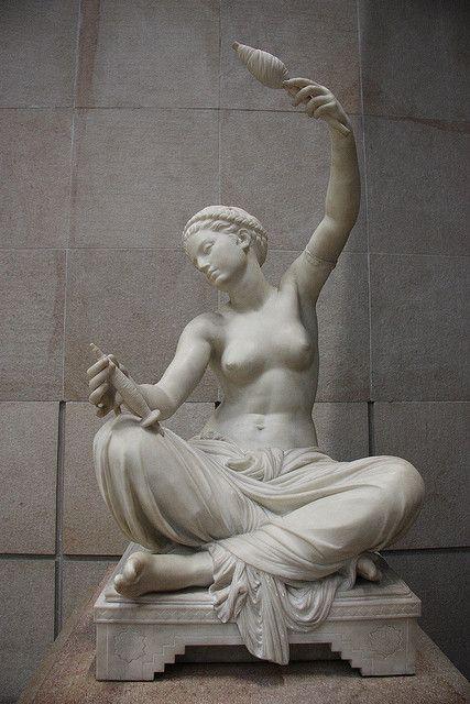 Louis-Ernest Barrias - Jeune fille de Mégare assise et filant. Musée d'Orsay.