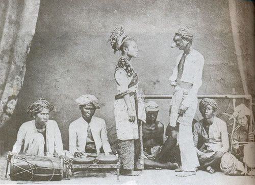 A troupe of Siamese Malay dancers performing the Mak Yong during the reign of King Rama V of Siam (c. 19th century), a dance theatre that owe its origin from the Pattani and Kelantanese palace courts. In 2005, it receives the recognition as among the Masterpiece Of The Oral And Intangible Heritage Of Humanity by UNESCO.