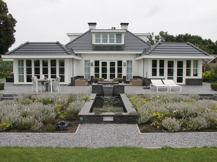 17 best images about andere mooie huizen on pinterest modern farmhouse tes and tuin - Tuin exterieur ontwerp ...