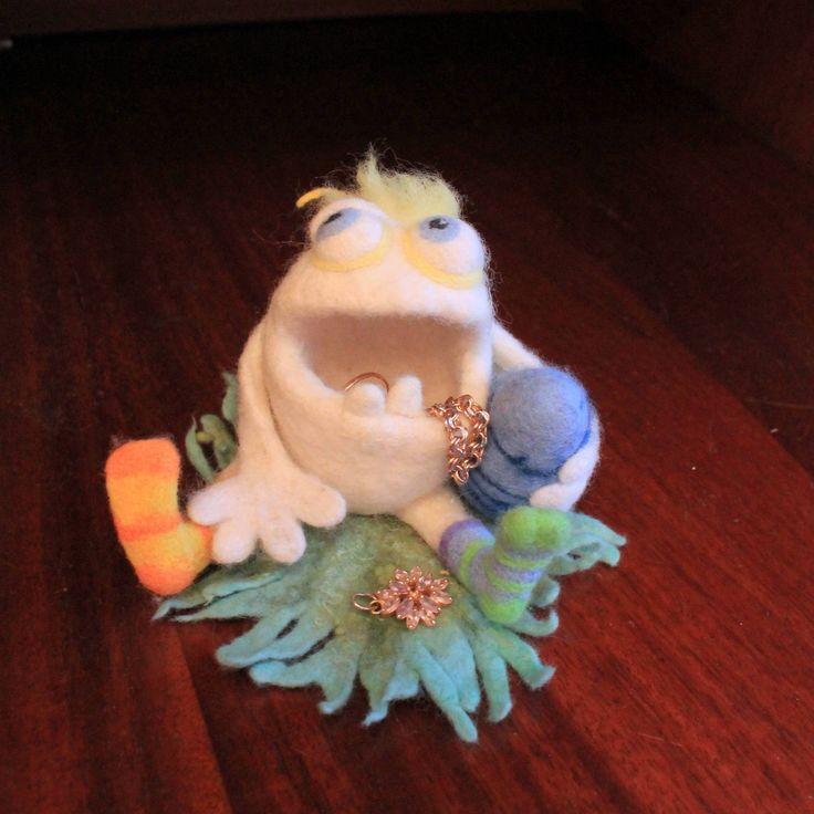 Шкатулка для ювелирных изделий Валяные игрушки Шкатулка для бижутерии Войлок игрушки ручной работы Валяные скульптуры by WarmWorldOfFelt on Etsy