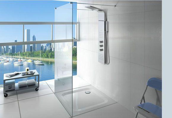 Mampara de ducha fija, con columna de baño.