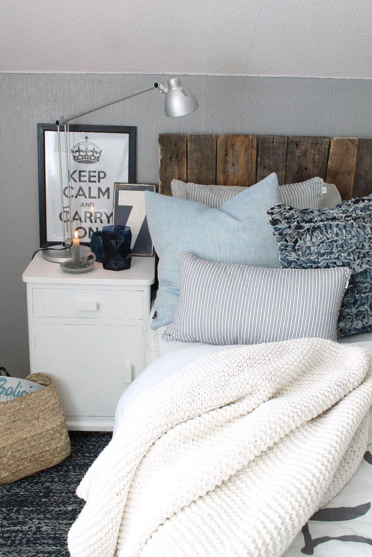 I dag innreder hun den hvite basen i hjemmet på Karmøy med duse farger og detaljer i rekved.