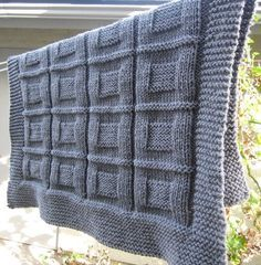mavi kareli örgü battaniye modeli