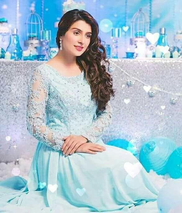 Aiza Khan HD Wallpaper