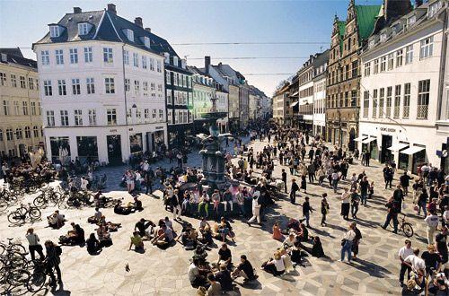 Stroget Avenue : http://www.europeboss.com/2012/06/05/travel-to-denmark-discovering-copenhagen/