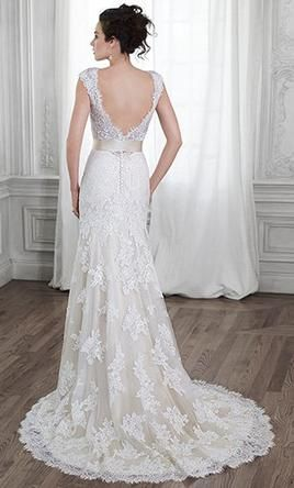 Maggie Sottero 5MS015 wedding dress currently for sale at 39% off retail.