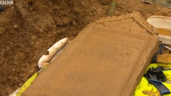 """An""""incredibly rare""""Roman tombstone found face down in England was flipped over on live TV this week to reveal its Latin inscription.  According toCotswold Archaeology, the tombstone uncovered inCirencester said """"D.M. BODICACIA CONIUNX VIXIT ANNO S XXVII."""" Translating the Latin to English, this reads """"In memory of Bodicia. Wife."""