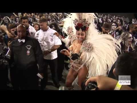 Diva ! ;-) Sabrina Sato rouba a cena na Gaviões da Fiel