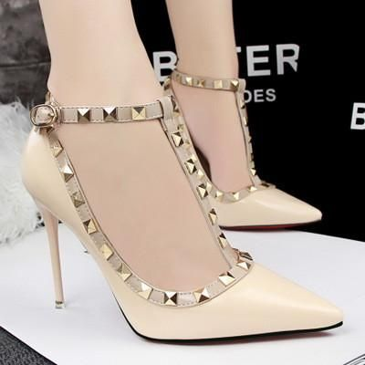 Ladies Patent Leather Rivets Strap Shoes, Sexy High Hell Pumps