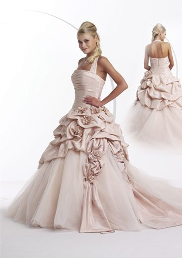 Ein Traum von einem Kleid! Fotoshooting für Kleemeier in Hof, Fotos: Guido Werner, Assistenz: Marius Böttcher