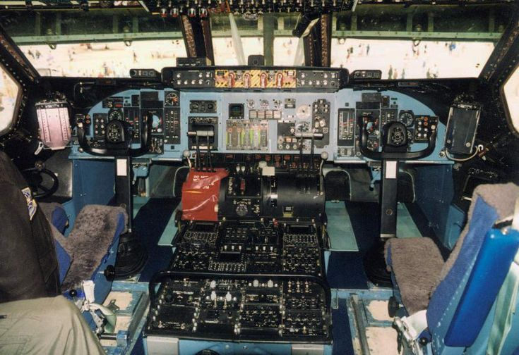 C-5A Cockpit - Lockheed C-5 Galaxy - Wikipedia, the free encyclopedia