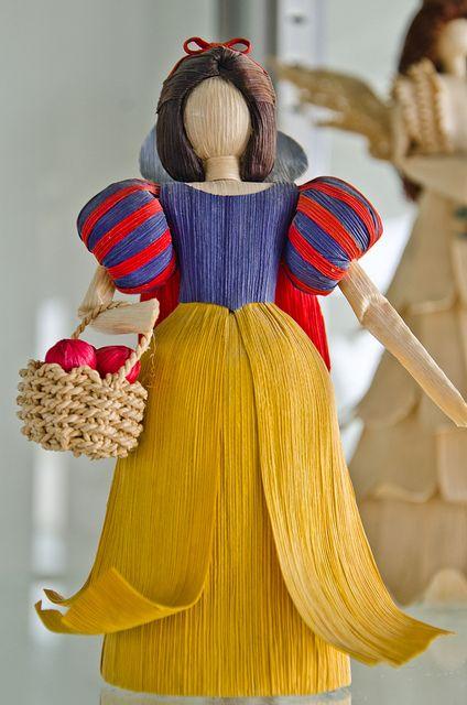 corn husk dolls by shutterstar11, via Flickr