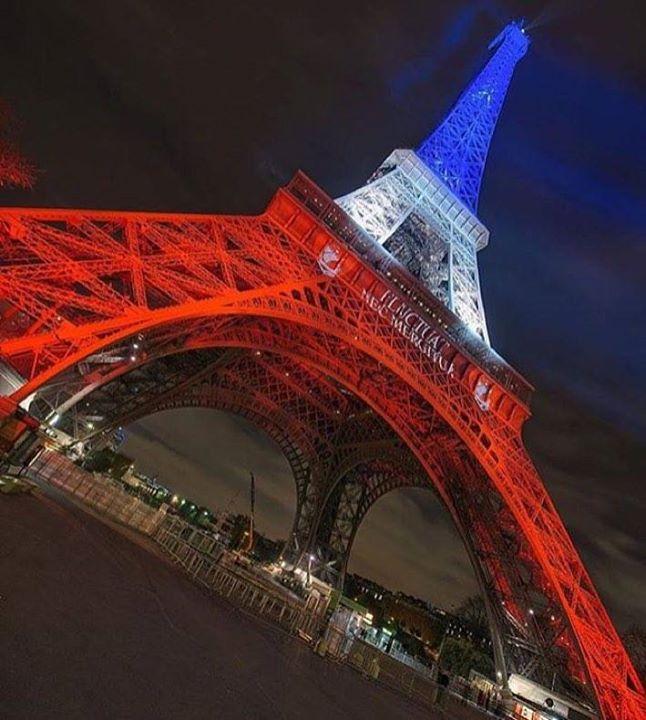 Les 21 meilleures images du tableau hommage attentats for Hotel paris comparateur