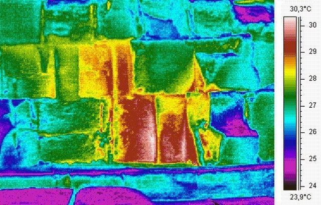 Depuis le lancement de la mission «Scan Pyramids» il y a deux semaines, des chercheurs égyptiens, japonais, français et canadiens ont détecté d'étranges anomalies thermiques dans 4 grandes pyramides près du Caire en Égypte. Mais la plus imposante d'entre elles se trouve dans la grande pyramide de Khéops sur la face est, près du sol. […]