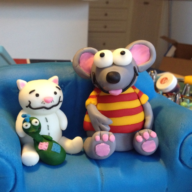 Toopy and Binoo cake - I'm going to have to practice before the official 2 year old cake needs to be done!!
