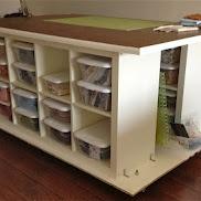 Quilters Table with storage... loooooooove it!