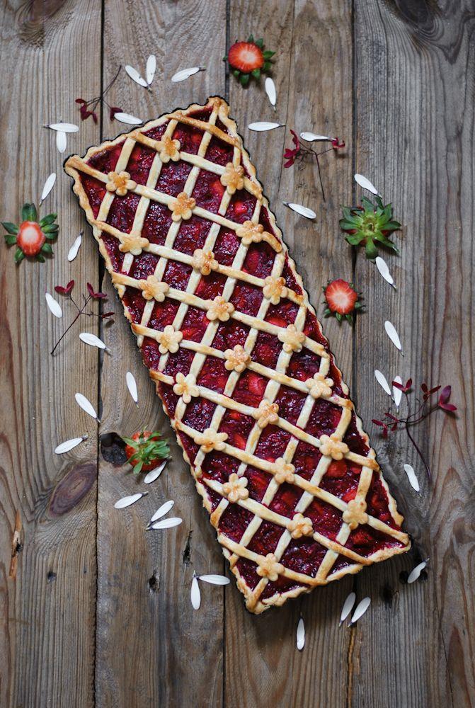 Tarta de fresa y ruibarbo
