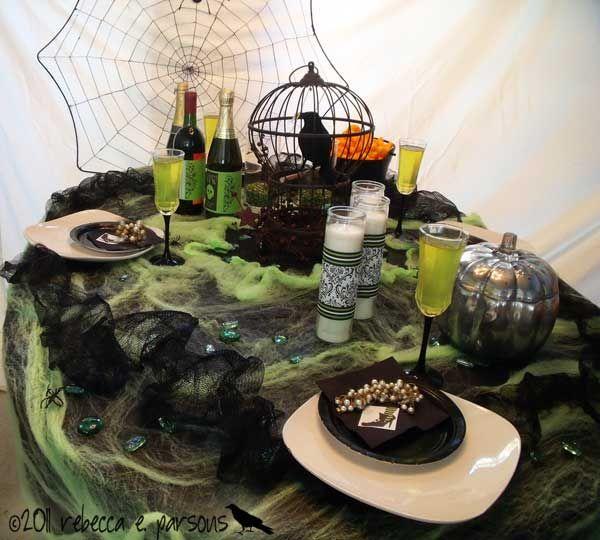Great Halloween table!: Halloween Parties, Halloween Decor, Halloween Tablescapes, Halloween Inspiration, Halloween 50, Halloween Festivals, Halloween Ideas
