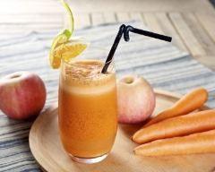 Jus détox carottes-pommes (facile, rapide) - Une recette CuisineAZ