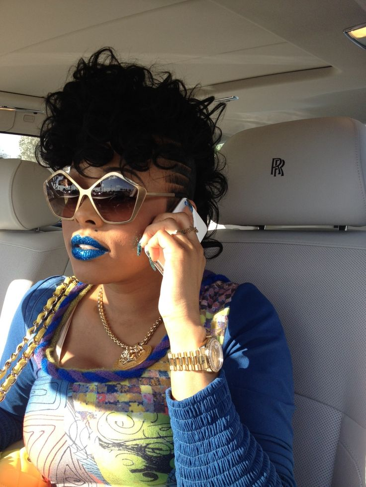 KEYSHIA KA'OIR wears Blue KA'OIR DOLL GLITZSTICK in Miami –