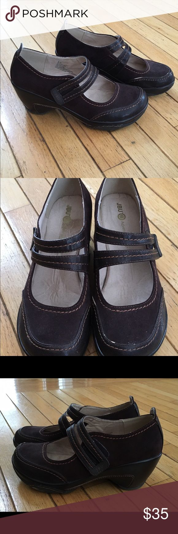 Women's Brown Jambu Mary Janes size 9 These adorable, dark brown, suede shoes are in good shape worn only a few times.  There is a little wear on the seam in one of them that lightened the color. Jambu Shoes